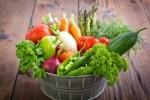 wiaderko z warzywami